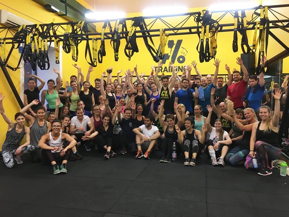 Csoportos edzésen a 4% edzőteremben
